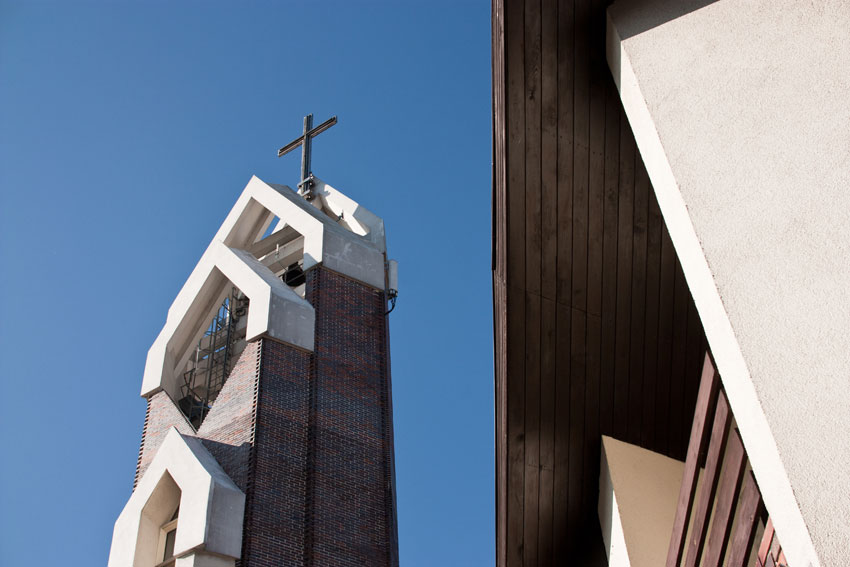 Kościół pw. Św. Józefa w Nowej Soli - widok na dzwonnicę