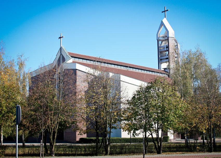 Kościół pw. Św. Józefa w Nowej Soli - widok z ulicy