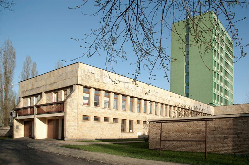 Realizacja projektu budynku NBP w Zielonej Górze - widok od tyłu