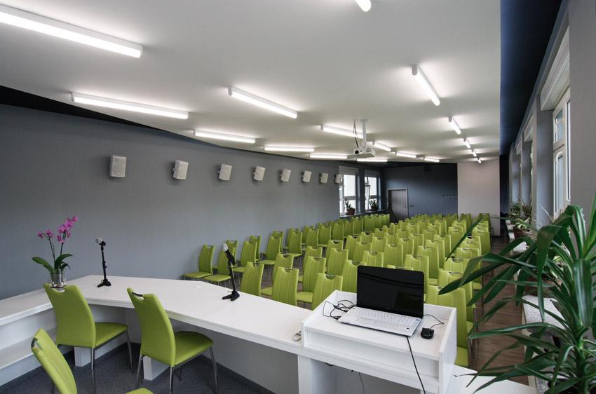 Widok na salę konferencyjną po modernizacji